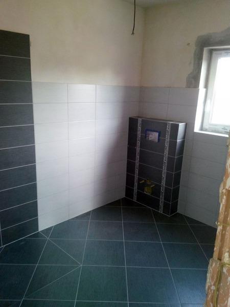 Obklad koupelny Jesenčany RD // Obkladačské práce Vlašič